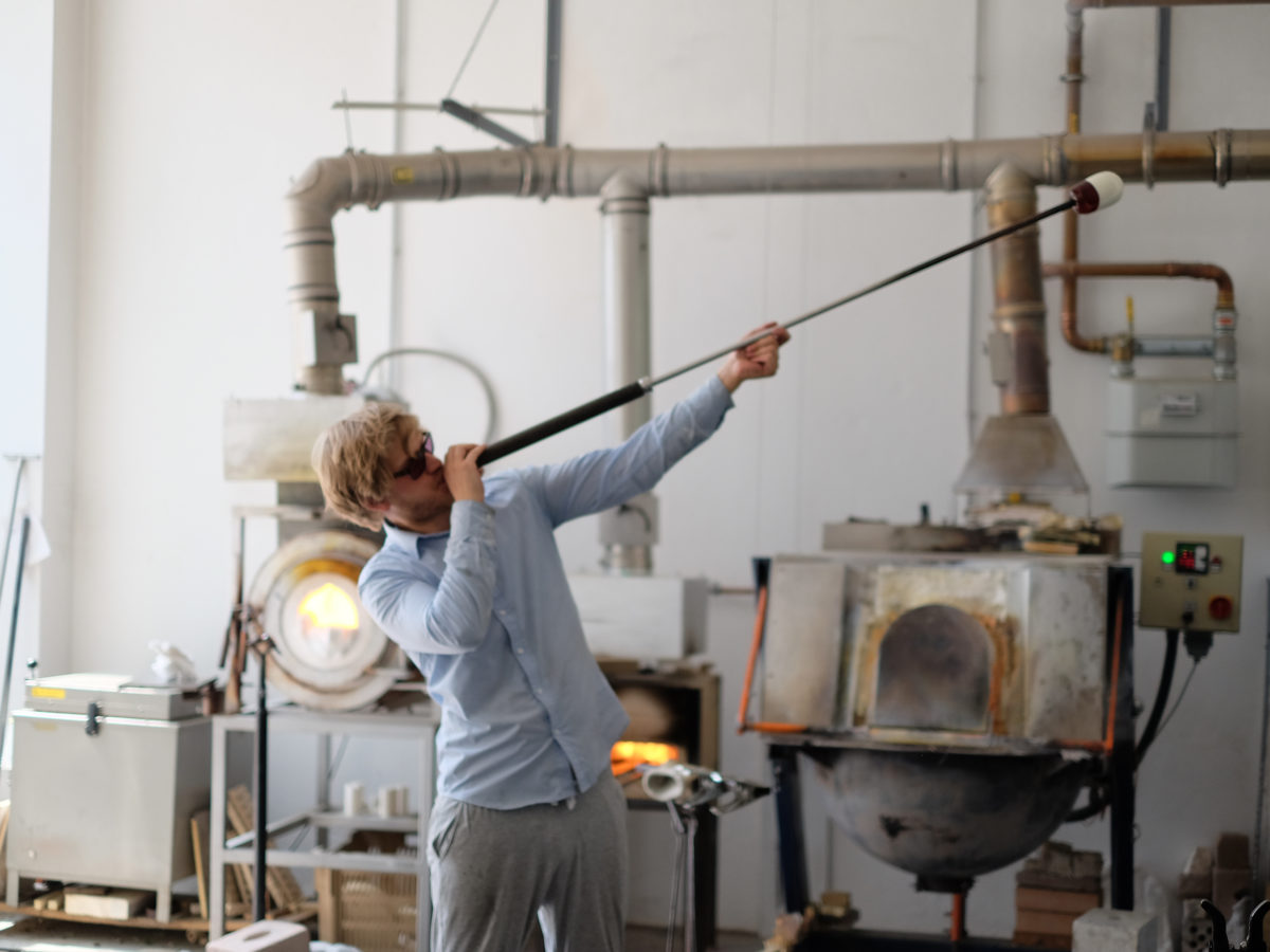 Jonas Niedermann - The path to glassmaking