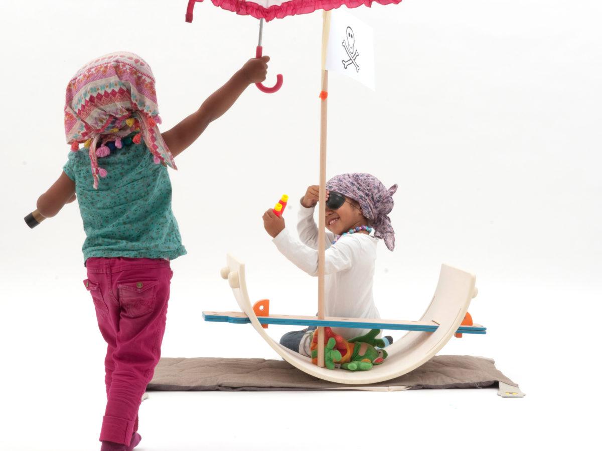 Chantal Bavaud - nanu toy